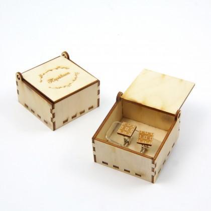 """Μανικετόκουμπα ξύλινα """"Τετράγωνα"""" με κουτί."""