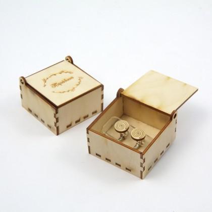 """Μανικετόκουμπα ξύλινα """"Σπείρα"""" με κουτί."""