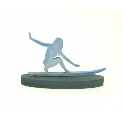 Επιτραπέζια γυναίκα surfer